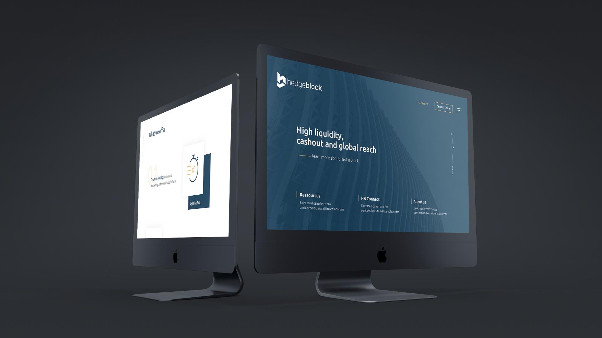 Deux iMac noirs allumés avec page internet ouverte sur le site Hedgeblock