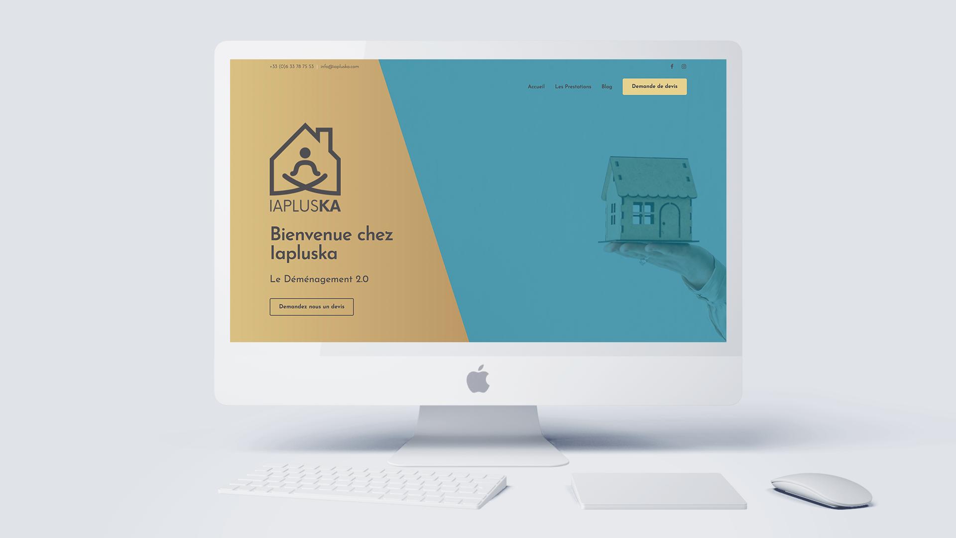 iMac blanc allumé avec la page internet ouverte sur le site Iapluska
