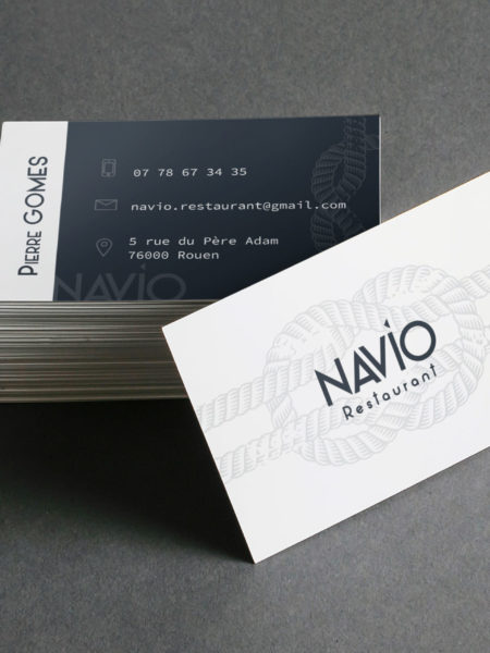 Tas de cartes de visite du restaurant Navio